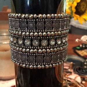 Exquisite silver and rhinestone bracelet